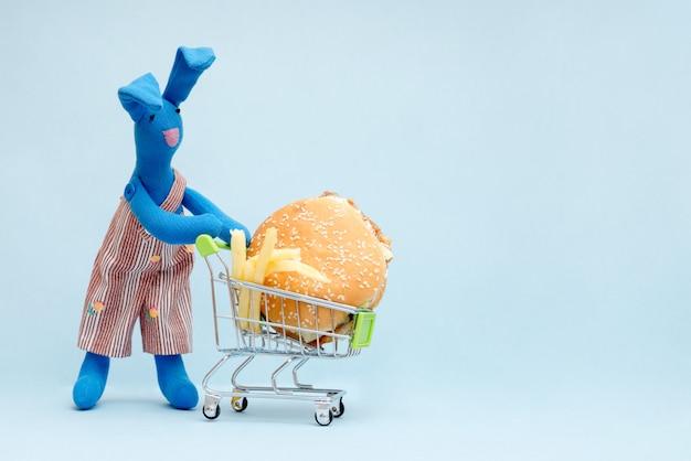 ハンバーガーと写真のウサギ Premium写真