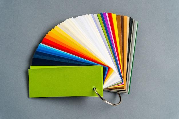 Набор цветной бумаги для образца Premium Фотографии
