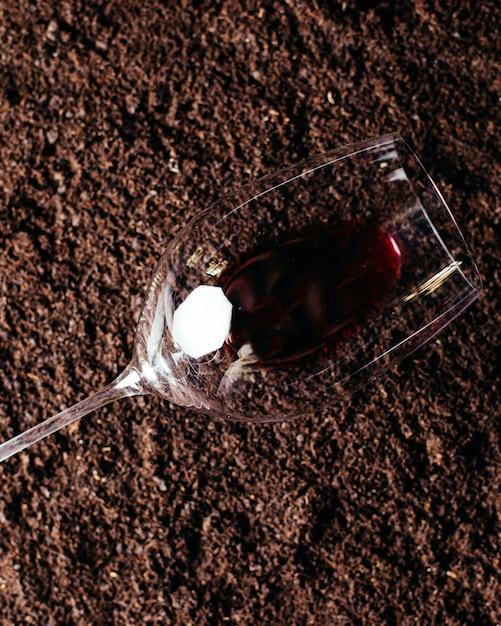 Вид сверху пустой стакан с красным вином Бесплатные Фотографии