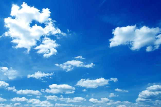 とても美しい晴れた空の背景 Premium写真
