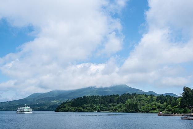 空と雲、aノ湖 Premium写真