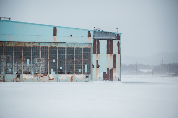 Заброшенное здание зимой Бесплатные Фотографии
