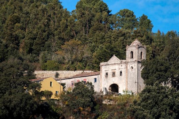 Abandoned convent in monchique Premium Photo