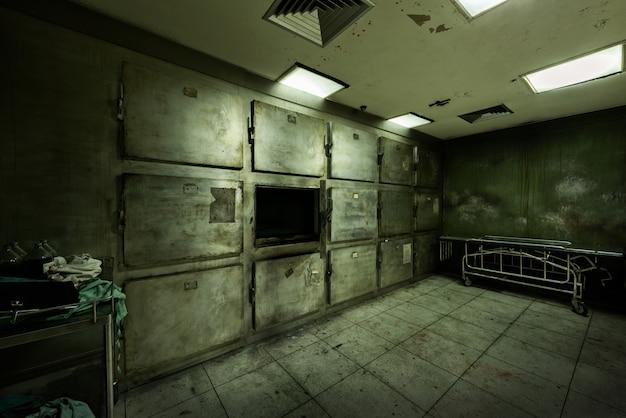 Obitorio abbandonato in ospedale psichiatrico Foto Gratuite