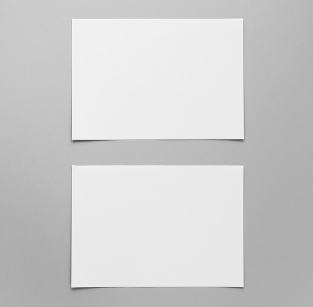 Расположение пустых бумажных листов сверху Бесплатные Фотографии