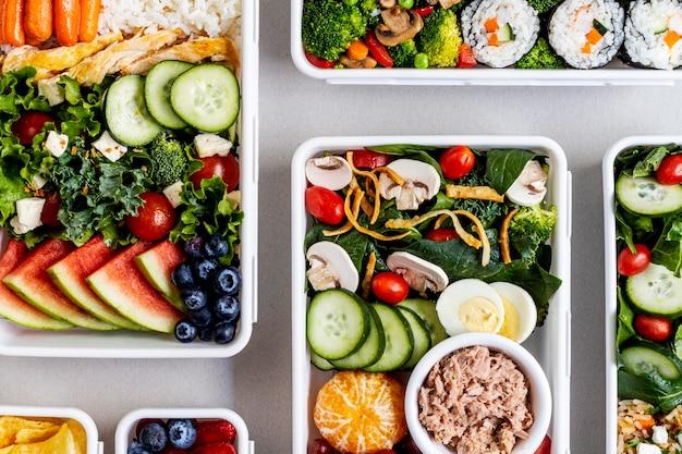 Выше вид рыба, овощи и фрукты Бесплатные Фотографии