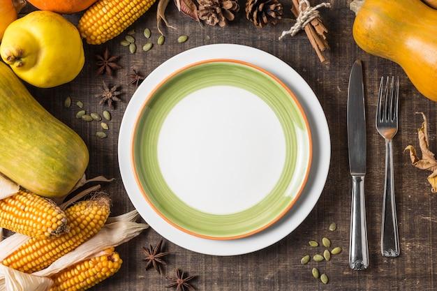 Расположение урожая сверху с тарелкой Premium Фотографии