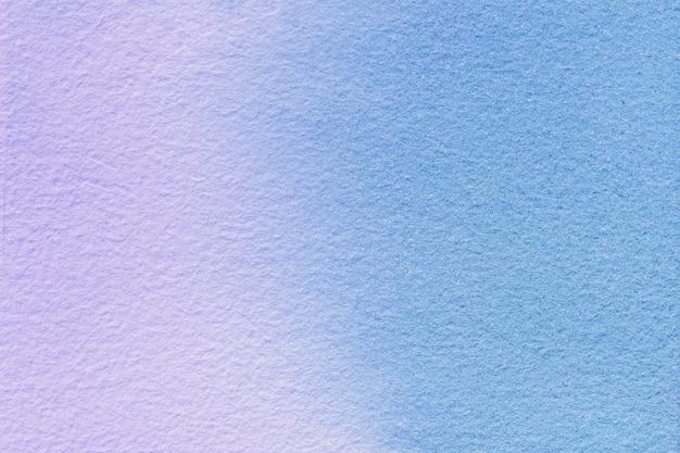 추상 미술 배경 밝은 파란색과 라일락 색상. 부드러운 보라색 그라데이션으로 캔버스에 수채화 그림. 프리미엄 사진