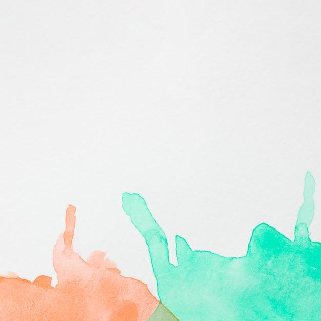 白い表面に抽象的な色インク波 無料写真