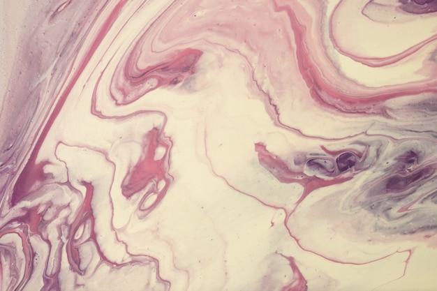 추상 유체 예술 배경 보라색과 흰색 색상. 액체 대리석. 베이지 색 그라데이션으로 캔버스에 아크릴 페인팅. 알코올 잉크 배경. 프리미엄 사진