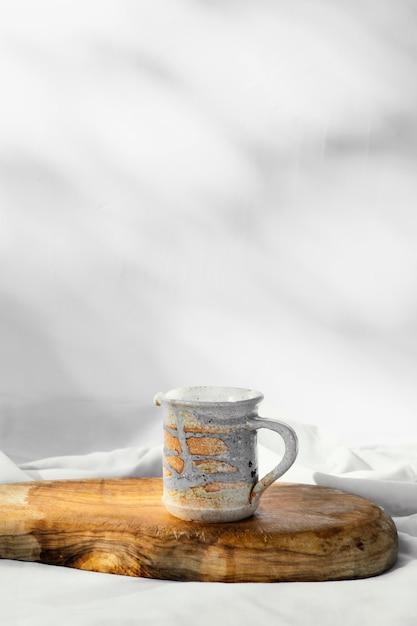 추상 최소한의 부엌 수제 컵 복사 공간 무료 사진