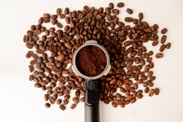 Abstract tree shape made from coffee beans Free Photo