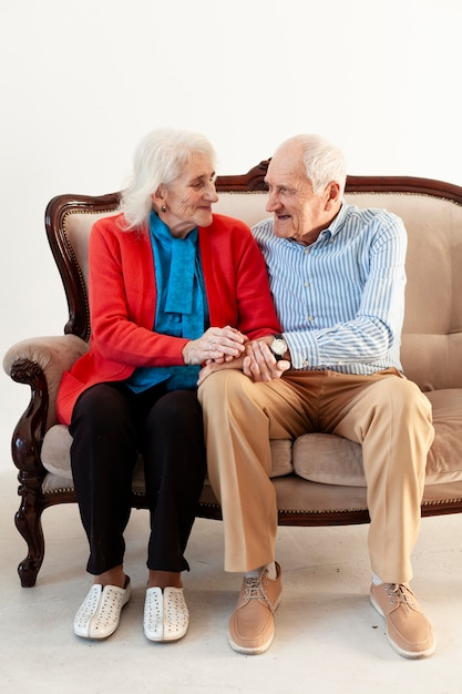 Adorable senior couple together Free Photo