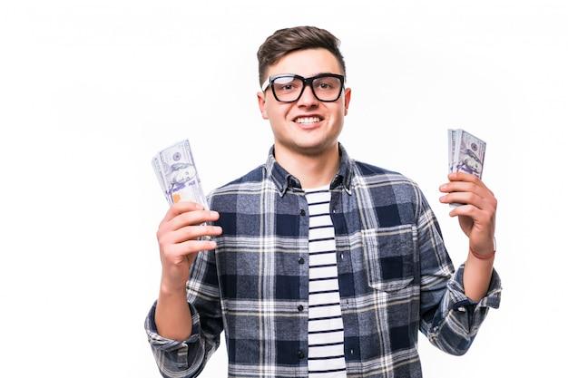 Uomo adulto in occhiali casual t-shirt con in mano un fan di soldi Foto Gratuite