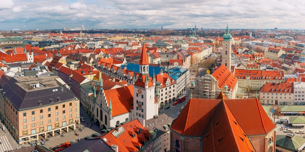 Aerial panoramic view of old town, munich, germany Premium Photo