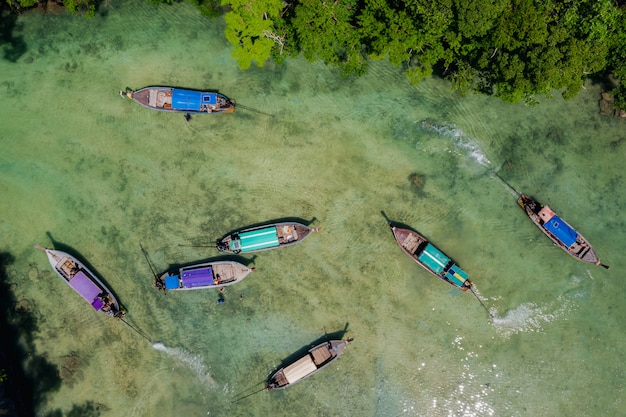 Aerial top view  tourists boat Premium Photo