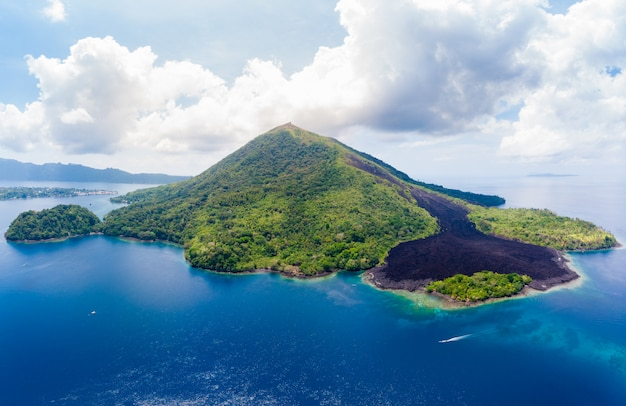 Aerial view banda islands moluccas archipelago indonesia, pulau gunung api, lava flows, coral reef. top travel tourist destination, best diving snorkeling. Premium Photo