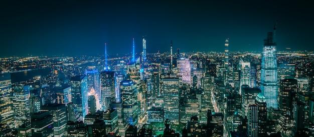Aerial view of new york manhattan at night Premium Photo