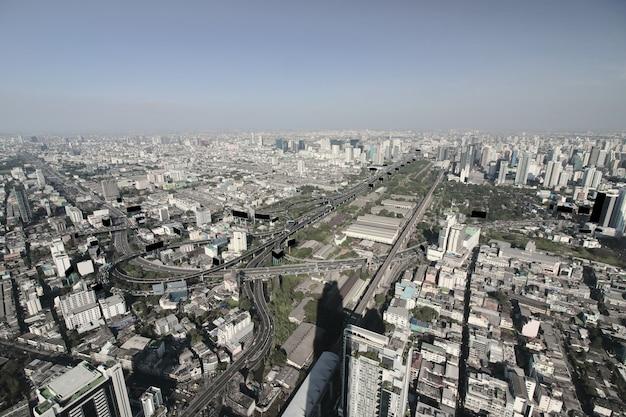 Вид с воздуха современных современных зданий в городе бангкок Premium Фотографии