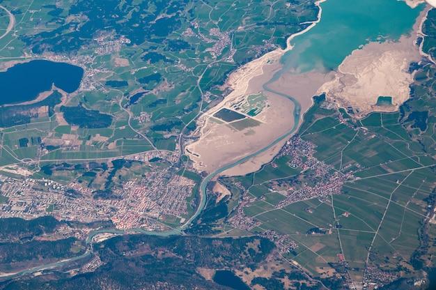 Вид с воздуха на фюссен и форгензее, германия Бесплатные Фотографии