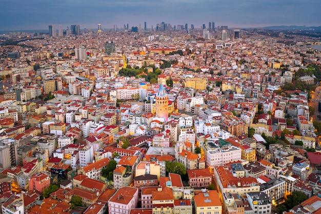 갈라 타 타워와 터키 이스탄불시의 공중 전망. 무료 사진