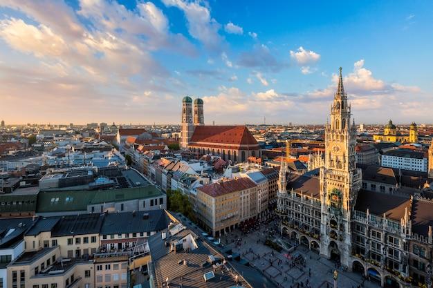 Вид с воздуха на мюнхен, германия Premium Фотографии