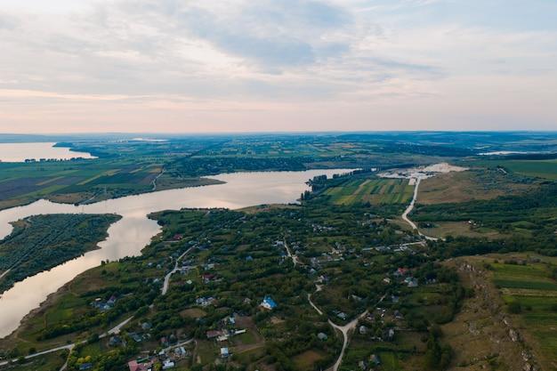 土地の美しい風景の空撮 無料写真
