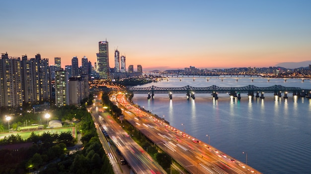Aerial view of sunset at seoul city skyline, south korea. Premium Photo
