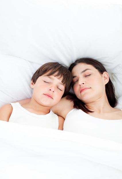 Мама сын спить секс и