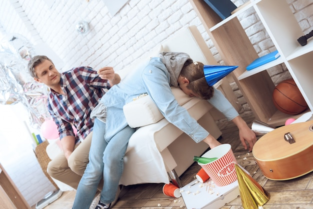 After birthday party troubled teenager is hangover Premium Photo