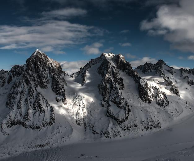 Aguilles de chardonnay e argentiere, tour noir e mont dolent Foto Gratuite