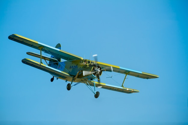 Aircraft antonov an-2 Premium Photo