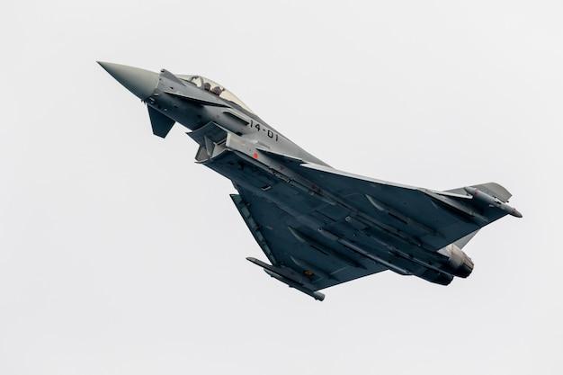 Aircraft eurofighter typhoon Premium Photo