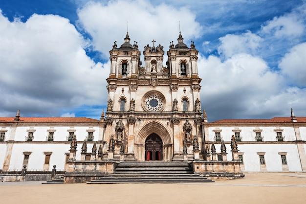 The alcobaca monastery Premium Photo