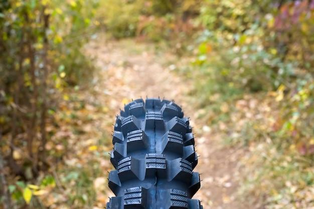 all-terrain-bike-tire_52137-21227.jpg (626×417)