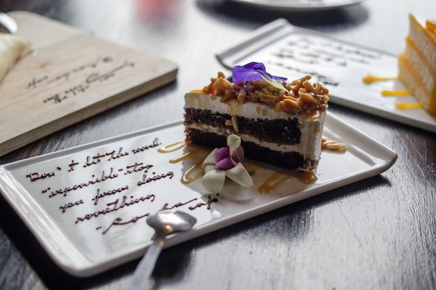 アーモンドケーキ Premium写真