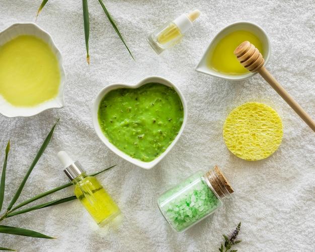 Aloe vera and honey spa natural cosmetics Premium Photo