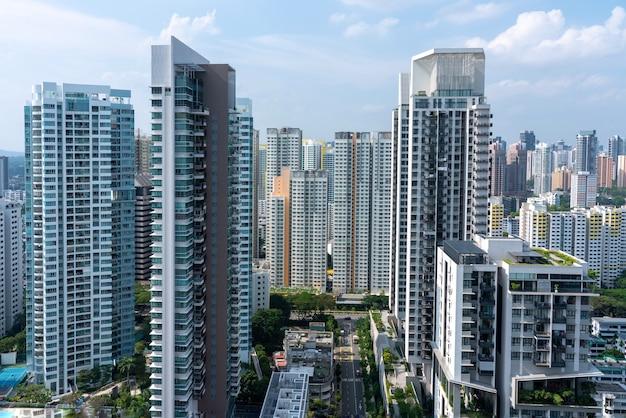 Incredibile ripresa aerea del paesaggio urbano di singapore con molti grattacieli Foto Gratuite