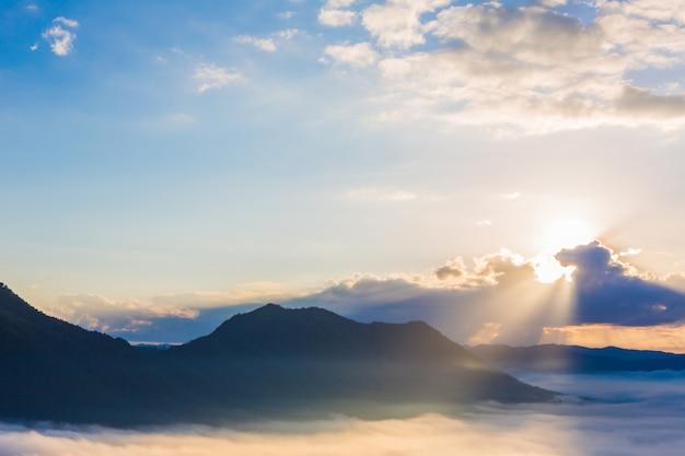 Amazing sky at dawn Free Photo
