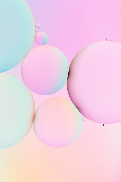 Incredibile illustrazione verticale di bolle colorate Foto Gratuite