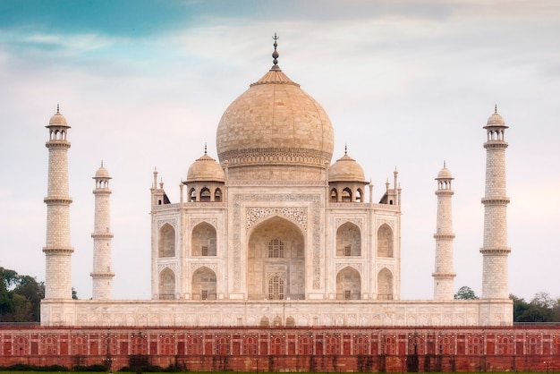 Amazing View Of Taj Mahal In The Evening In Agra Fabulous