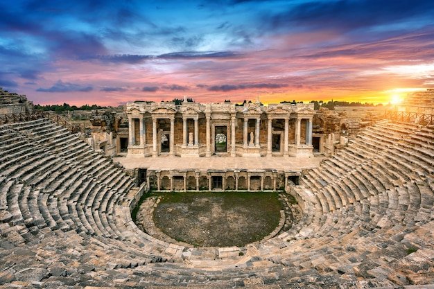 Amphitheater in ancient city of hierapolis at sunset, pamukkale in turkey. Free Photo