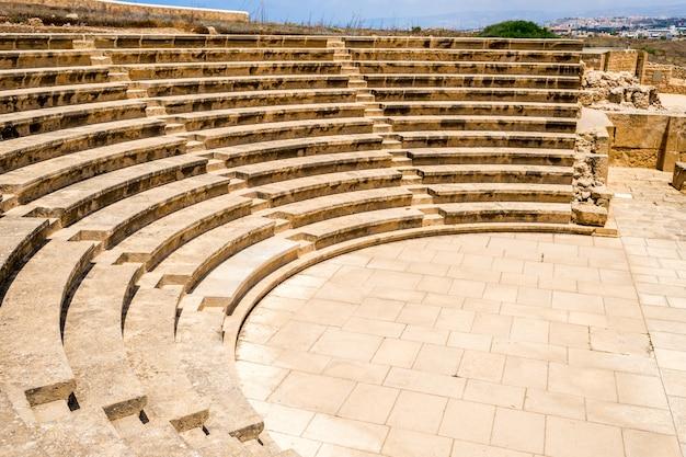 Амфитеатр под открытым небом в пафосе, кипр Premium Фотографии