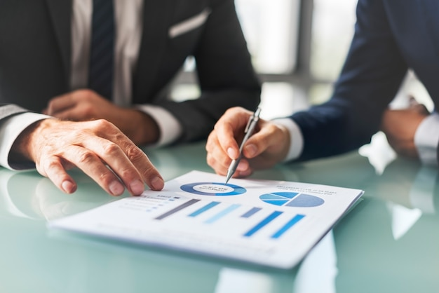 Analysis brainstorming business company report concept Premium Photo
