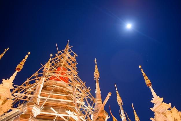 Ancient buddhist pagoda in the moonlight Premium Photo
