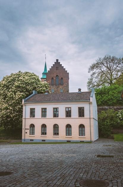 ノルウェーのオスロ市にある古代の城アーケシュフース要塞 Premium写真