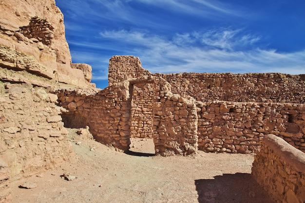 Ancient fortress in sahara desert Premium Photo