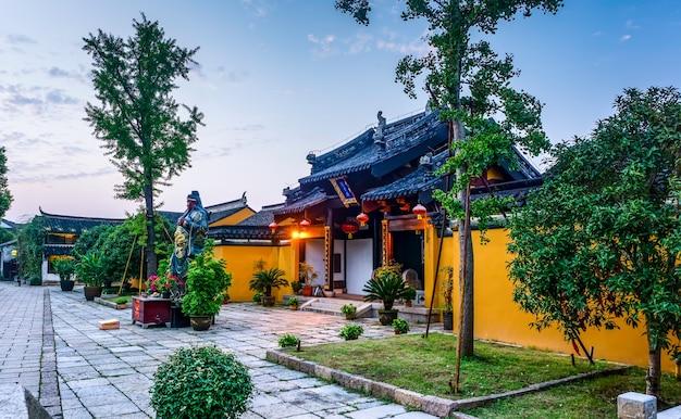 Ancient guan gong temple in dangkou ancient town Premium Photo