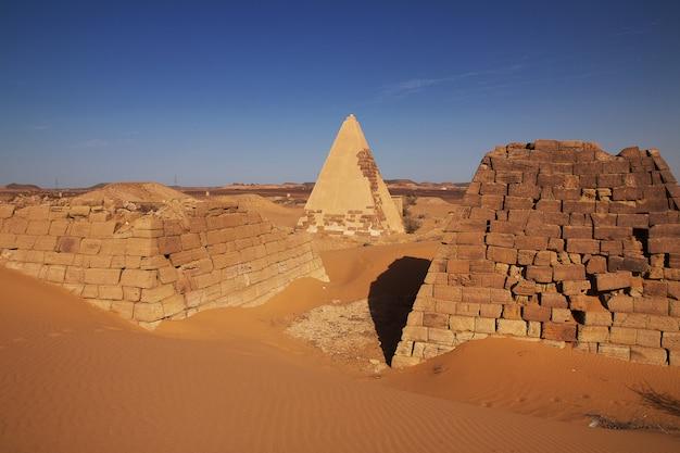 The ancient pyramids of meroe in sudan's desert Premium Photo