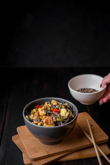 箸で麺angleの高角 無料写真